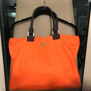 Orange you Tory? Like new Tory Burch Purse